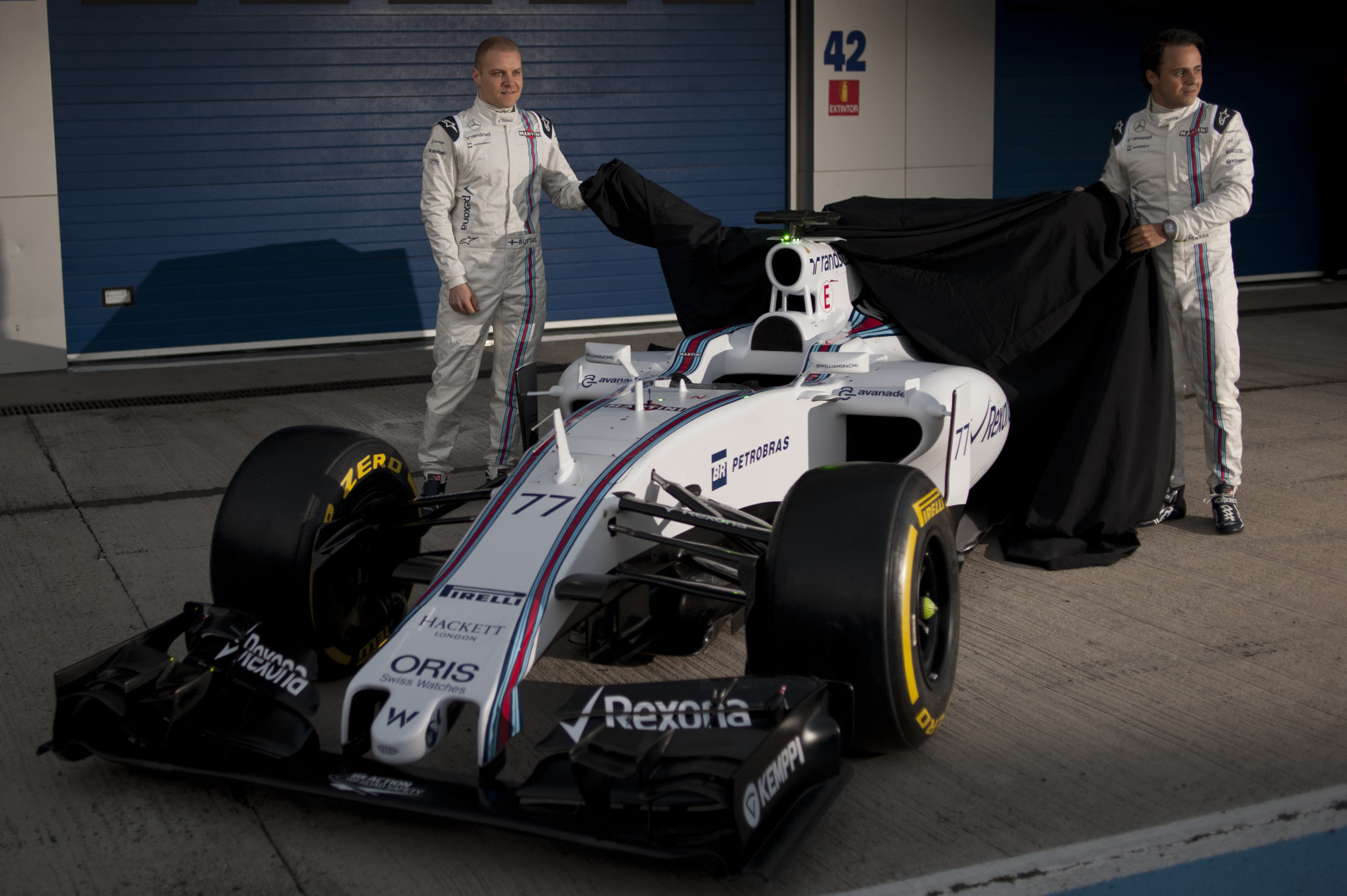 Le Finlandais Valtteri Bottas et le Brésilien Felipe Massa dévoilent la nouvelle Williams