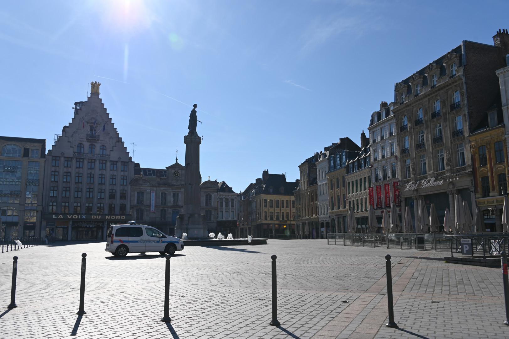 La Grande Place de Lille vidée de ses touristes et habitants, le 18 mars