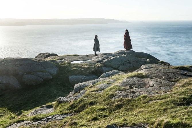 Réunion secrète pour Varys et Mélisandre