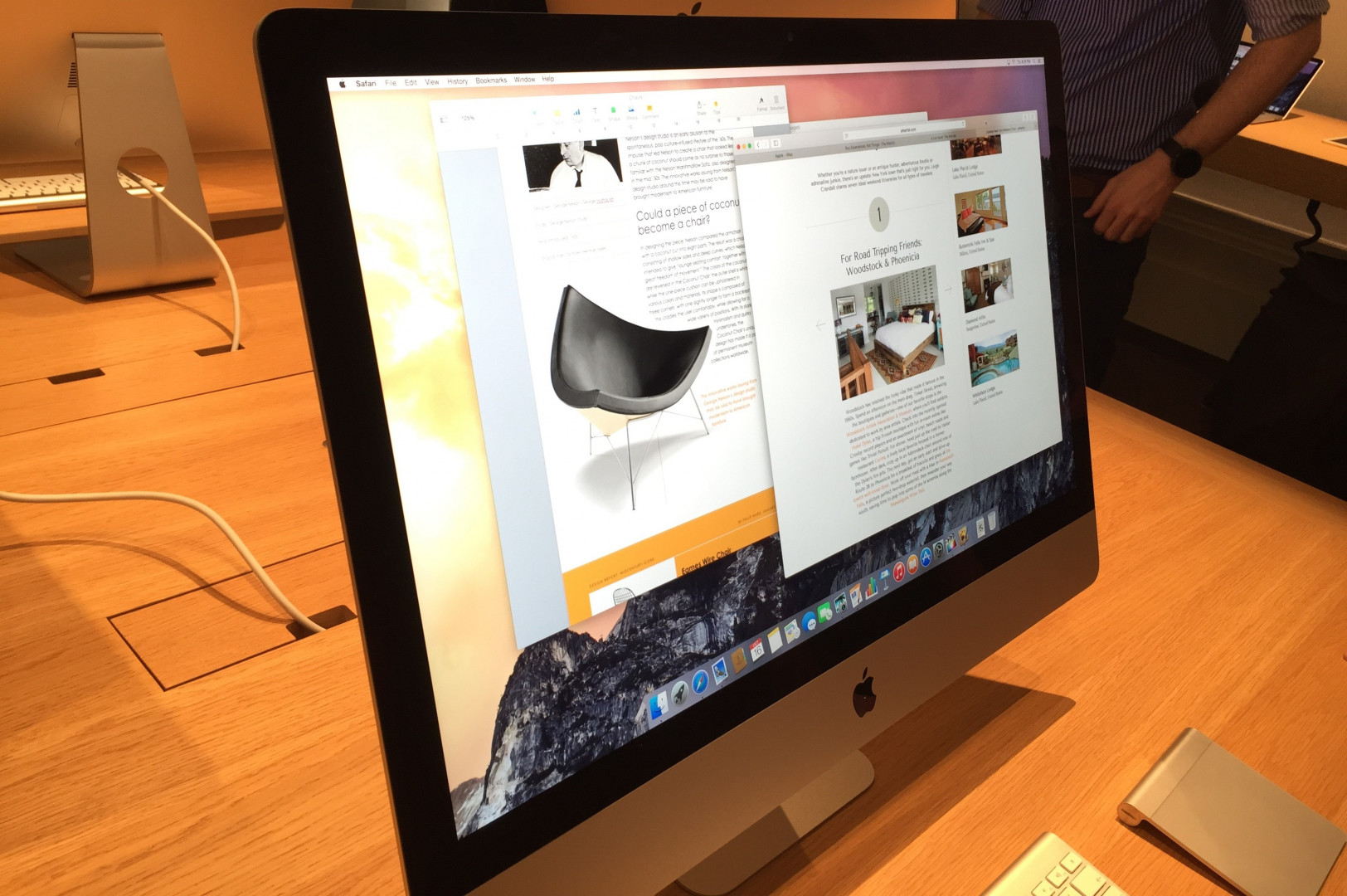 Tim Cook, le directeur général d'Apple a dévoilé le dernier iMac