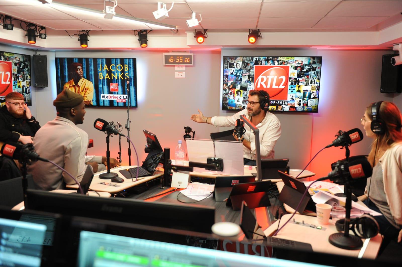 Jacob Banks dans les studios de RTL2