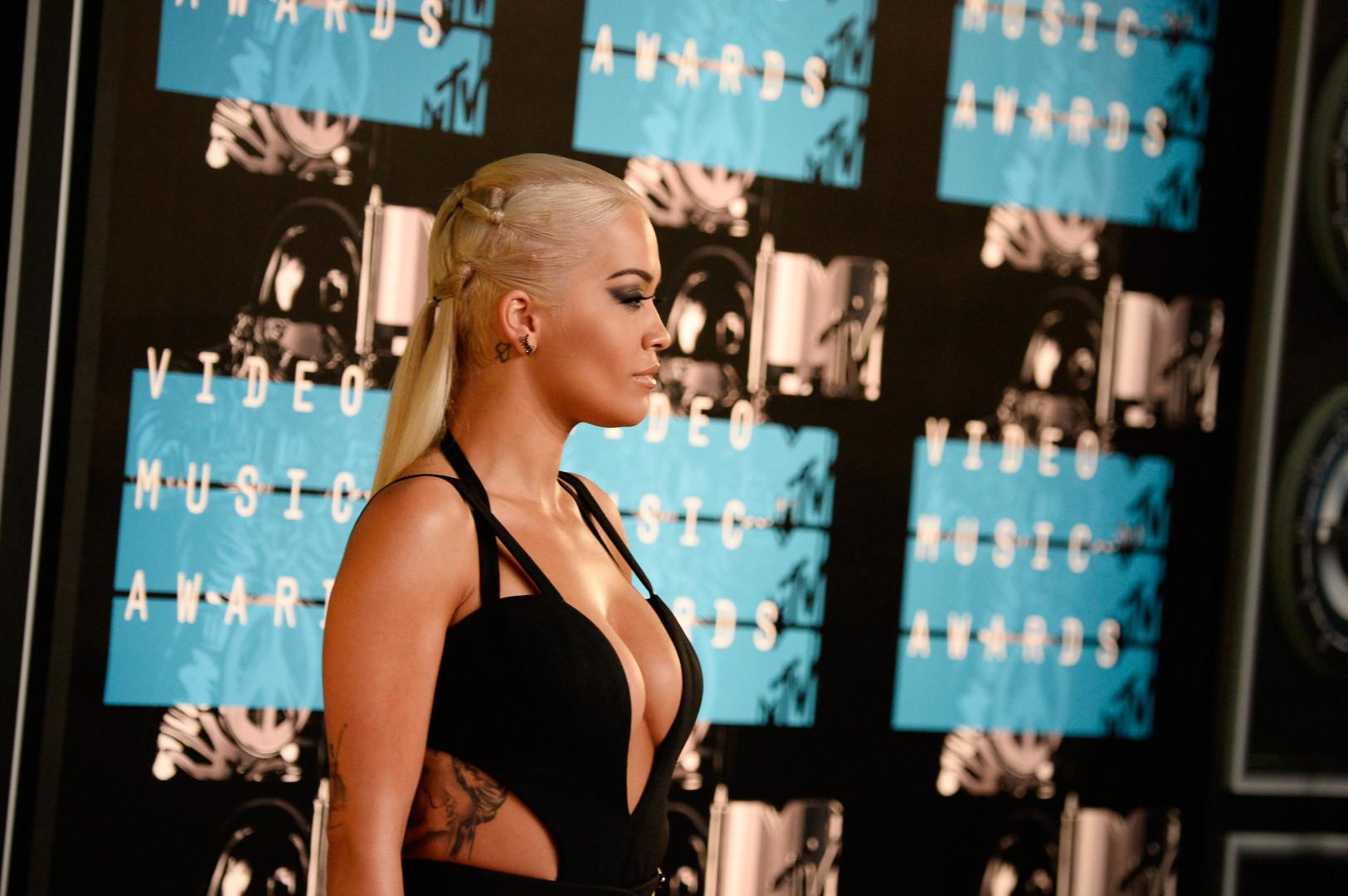 Rita Ora ultra sexy aux MTV VMA 2015