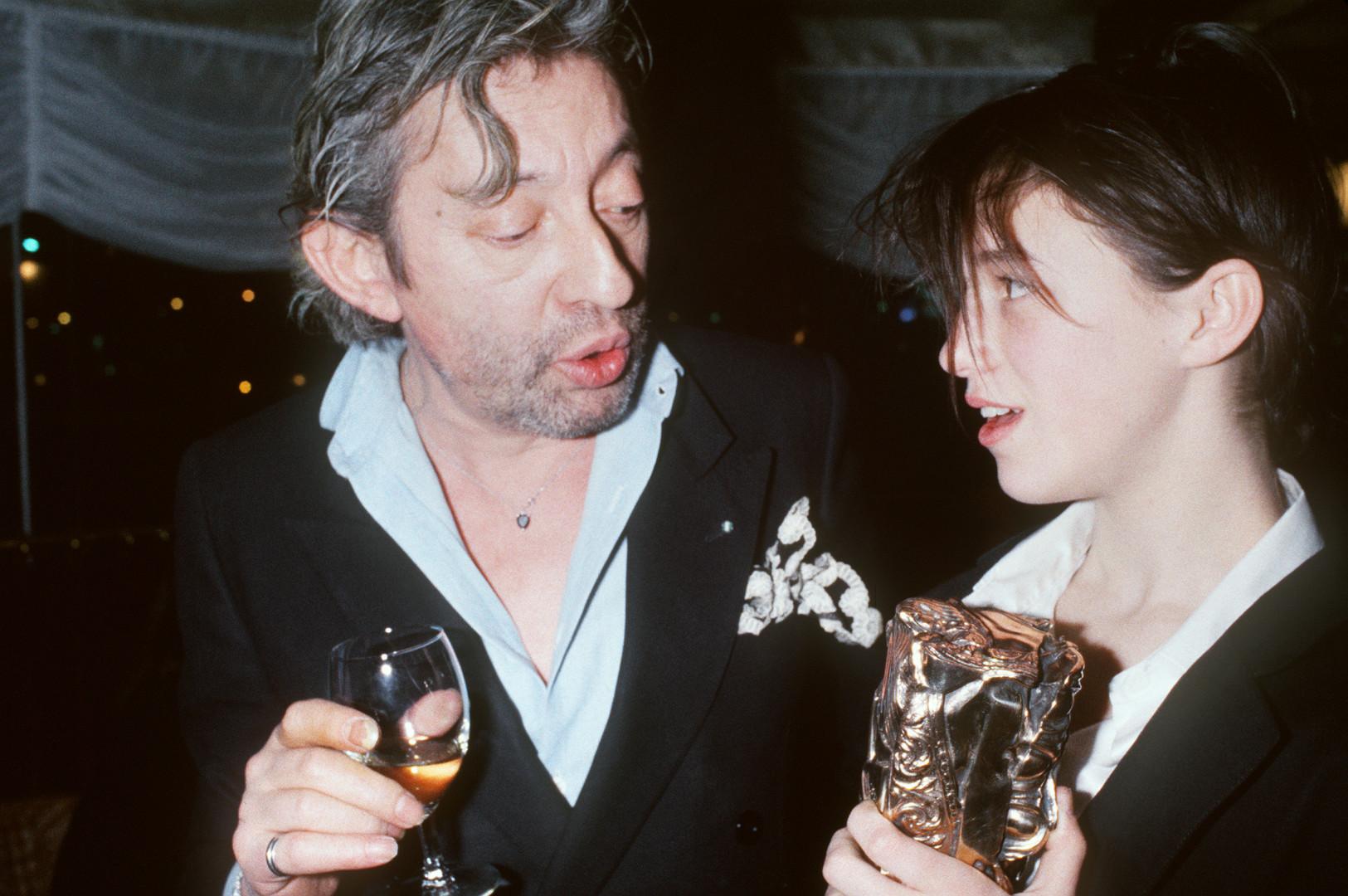 En 1986, Charlotte Gainsbourg reçoit le César du meilleur espoir féminin pour son rôle dans L'Éffrontée