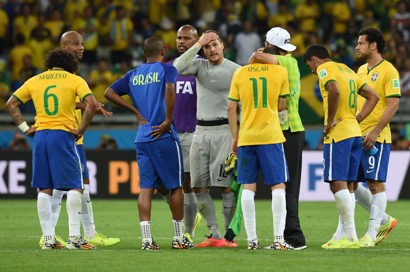 Les Brésiliens se sont réunis dans le rond central à l'issue d'une rencontre qu'ils ne sont pas près d'oublier