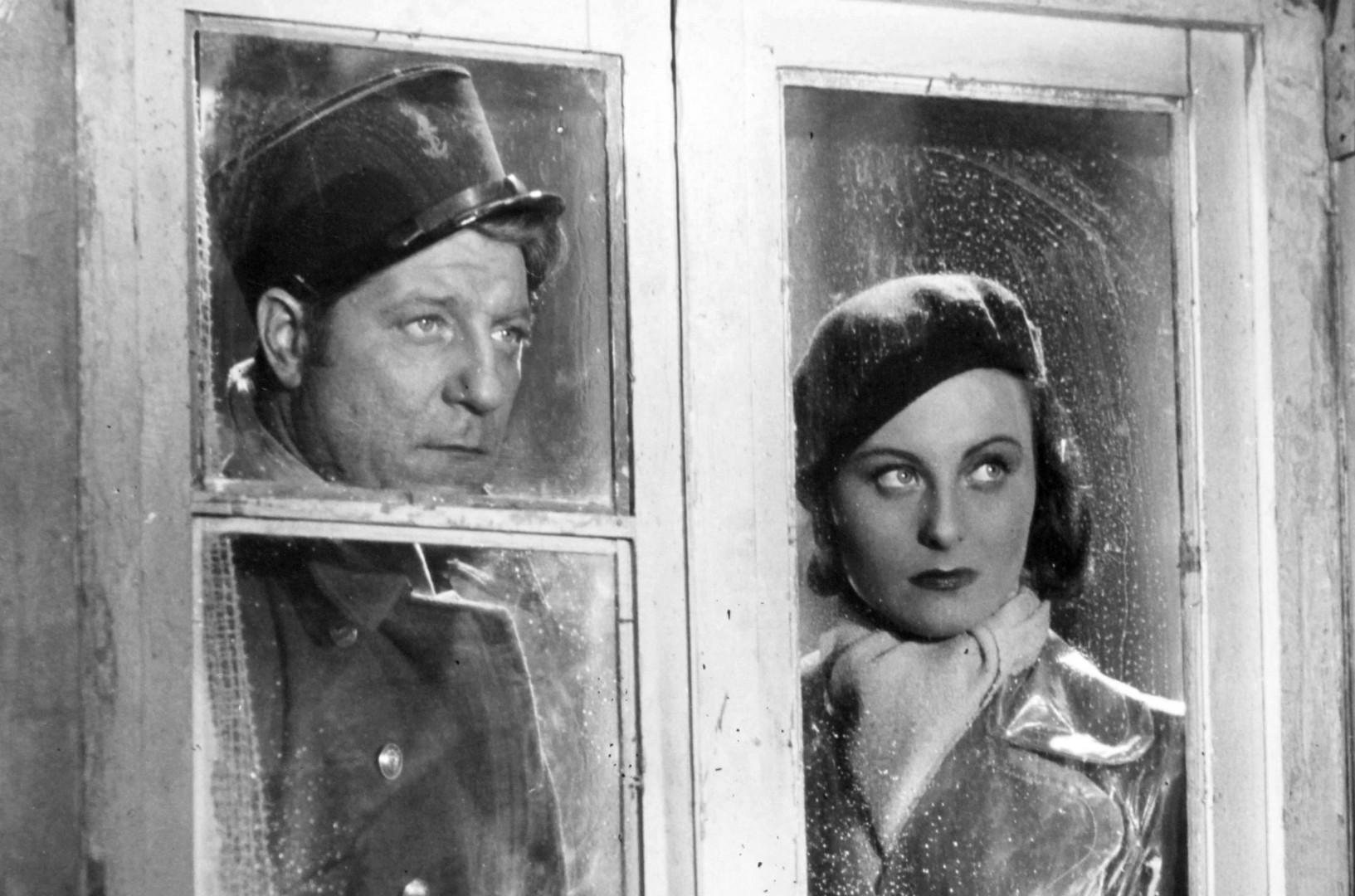 """Jean Gabin et Michèle Morgan inoubliables dans """"Le Quai des Brumes"""" de Marcel Carné (1938)"""