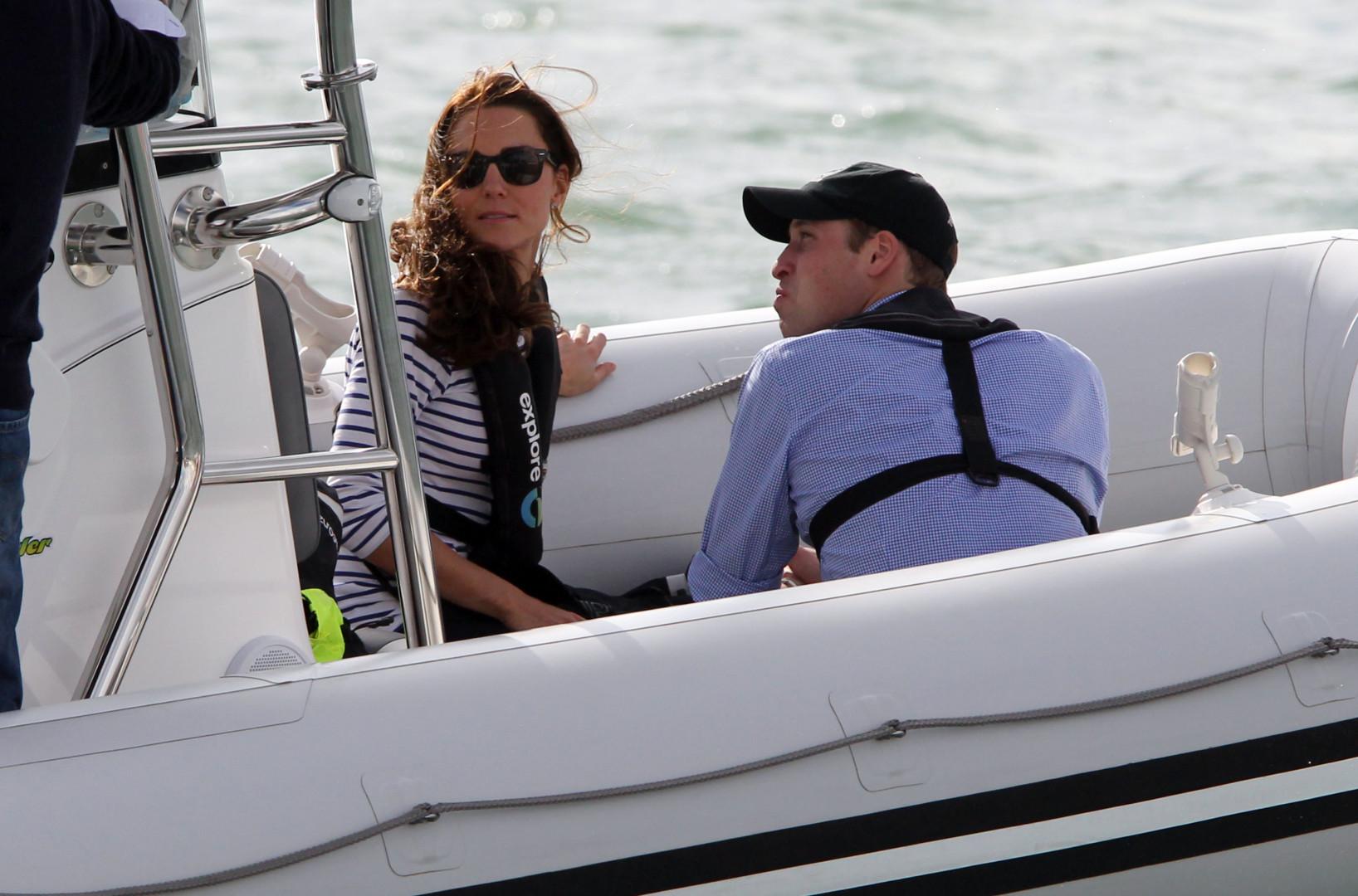 En Nouvelle-Zélande, le couple royal navigue en avril 2014