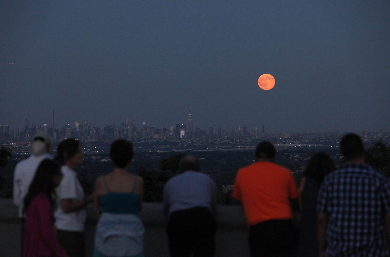 La vue de West Orange dans le New Jersey (États-Unis) offrait un spectacle unique