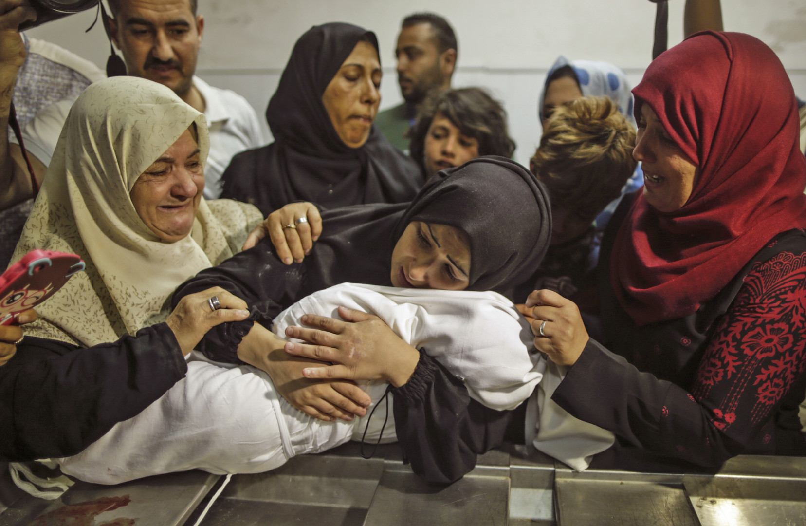 Un bébé de 8 mois est décédé après avoir inhalé du gaz lacrymogène pendant la manifestation palestinienne à Gaza lundi 14 mai 2018