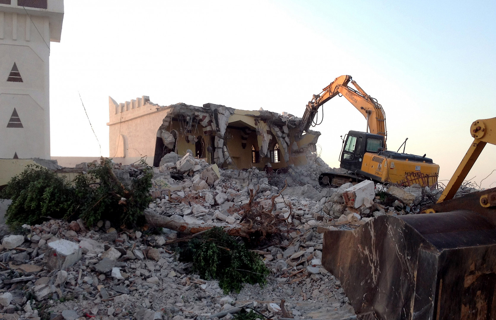 En Libye cette fois, les islamistes ont démoli à l'aide de pelleteuses plusieurs mausolées en 2012