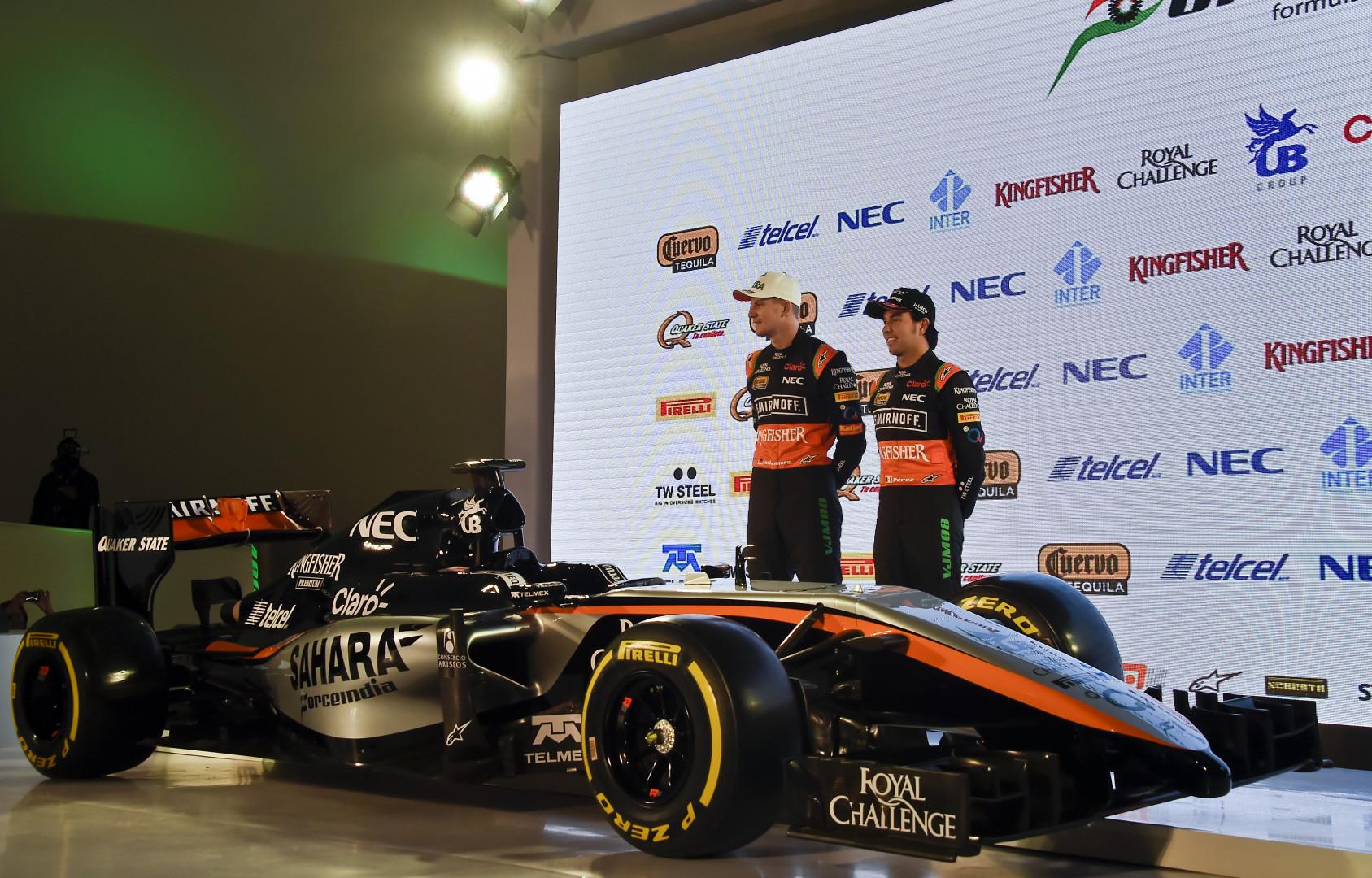 L'Allemand Niko Hulkenberg et le Mexicain Sergio Perez lors de la présentation de la Force India 2015