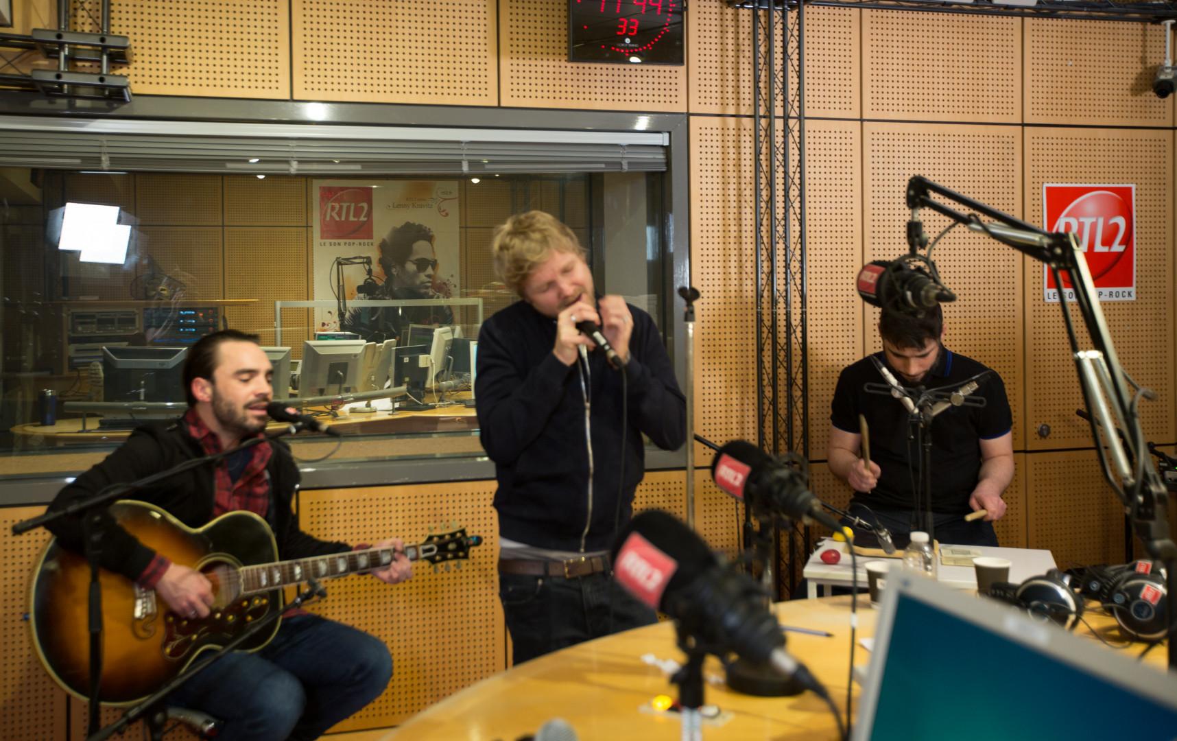 KYO en session acoustique dans les studios de RTL2