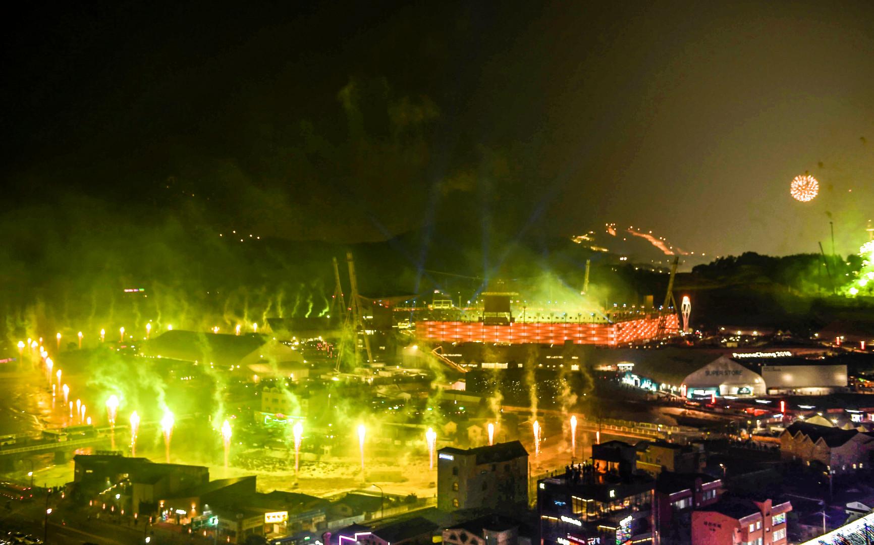 Un dernier feu d'artifice dans et tout autour du stade olympique