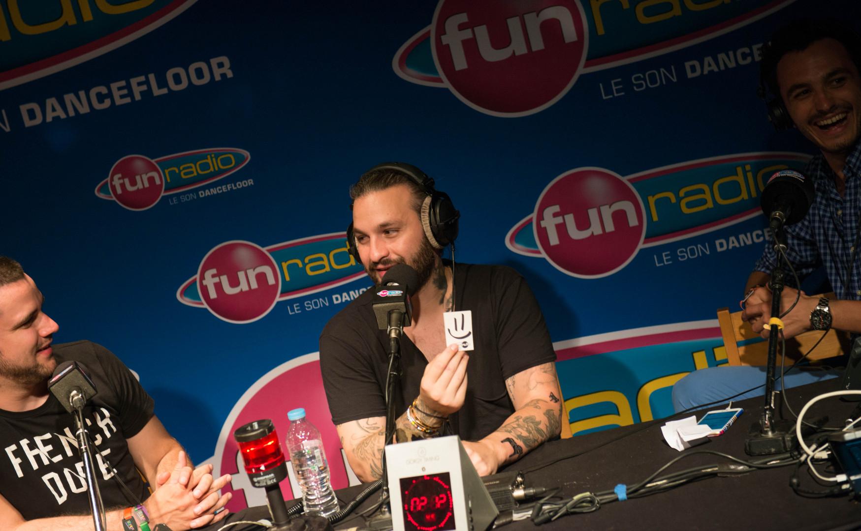 Pour compléter la collection de tatouages de Steve Angello, JB lui a offert un tatouage Fun Radio !