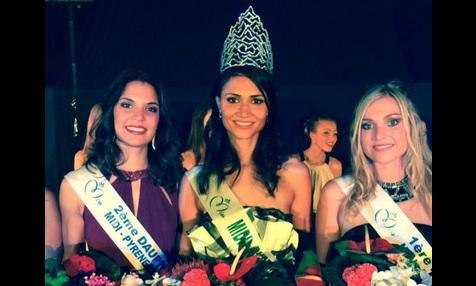 Laura Pelos (au centre) entourée de ses deux dauphines. Elle est Miss Midi-Pyrénées 2014