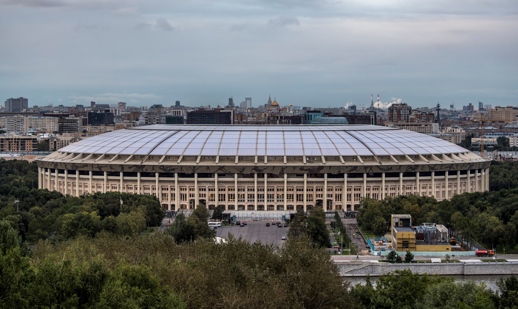 Le stade Loujniki (81.000 places) vu de l'extérieur