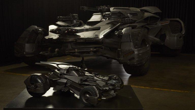 """La Batmobile fait peau neuve pour """"Justice League"""""""