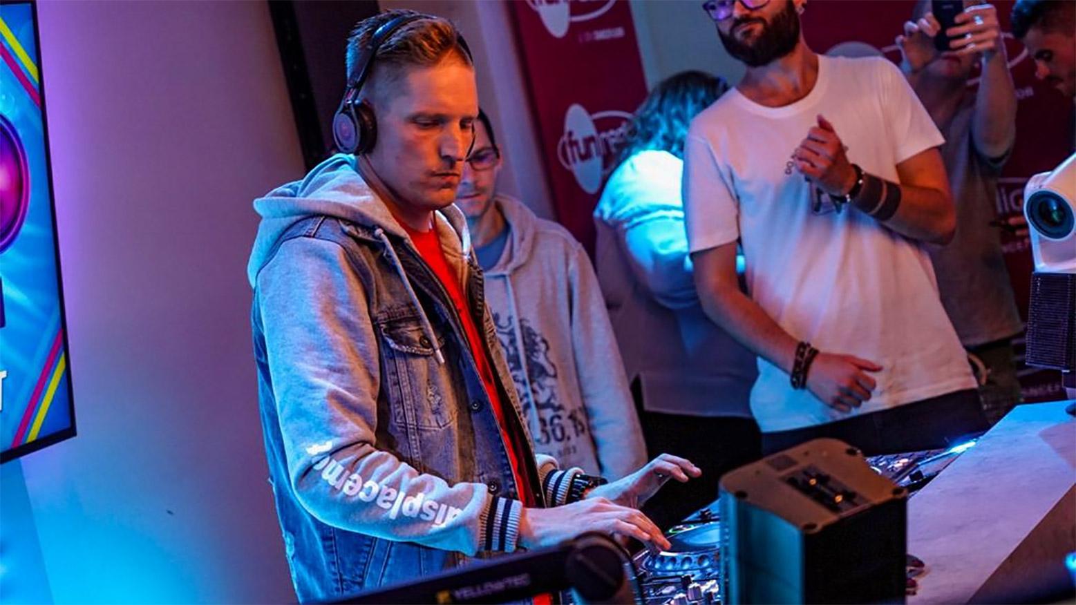 Nils van Zandt sur Fun Radio