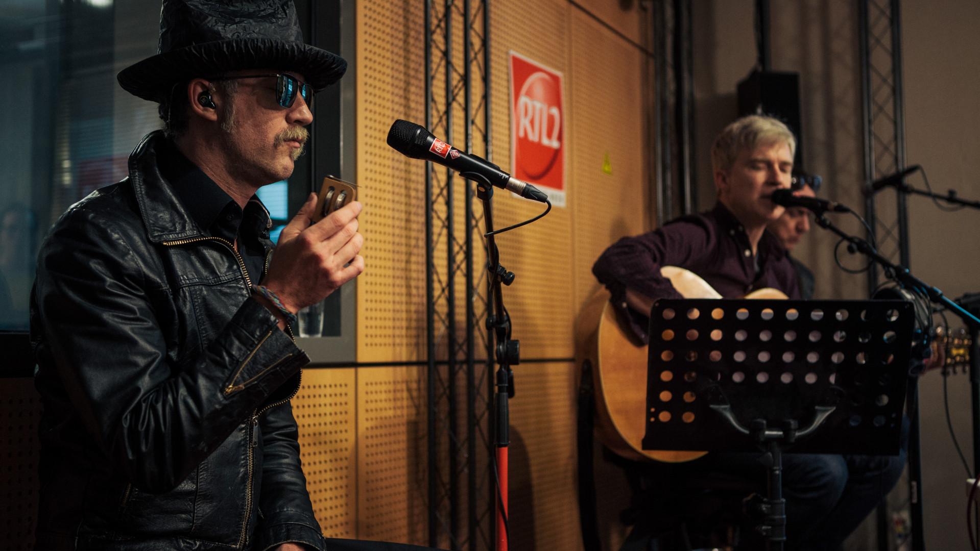 Ira Elliot, Matthew Caws de Nada Surf en session dans les studios de RTL2