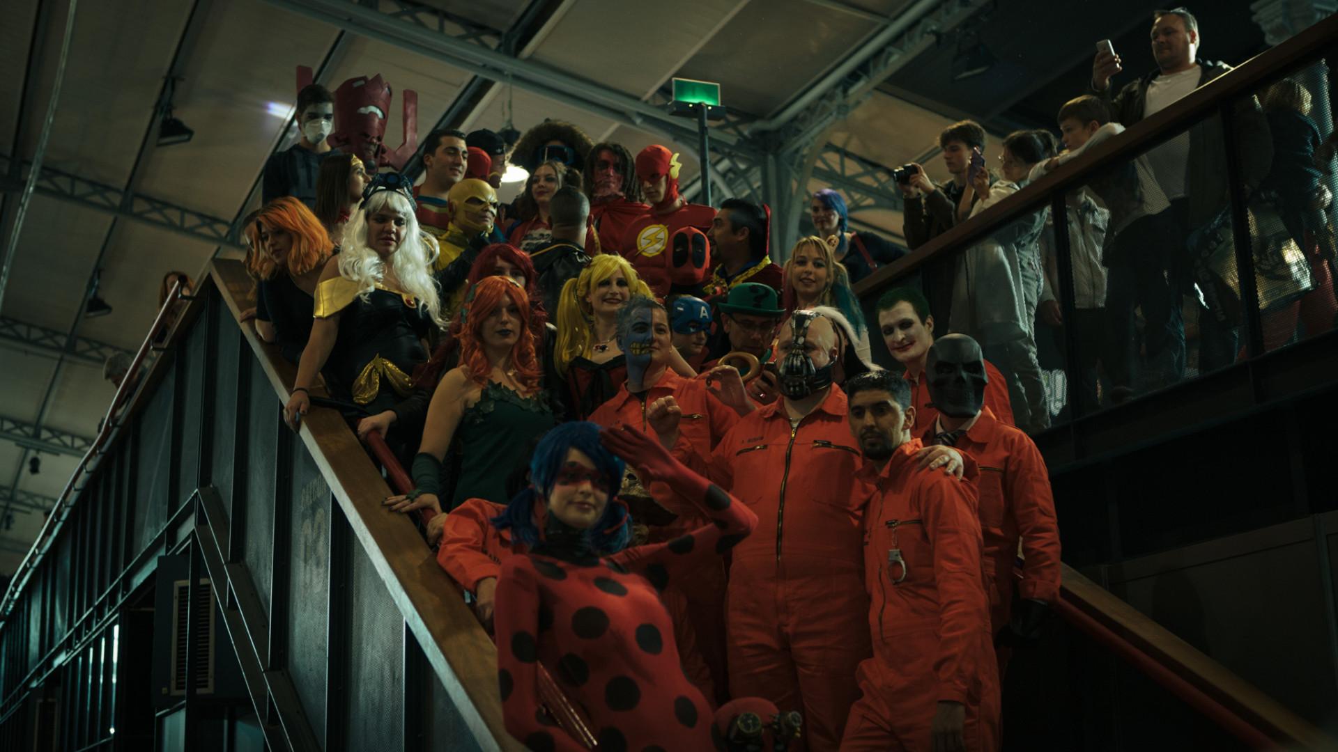 Des prisonniers de l'Arkham Asylum avec Bane