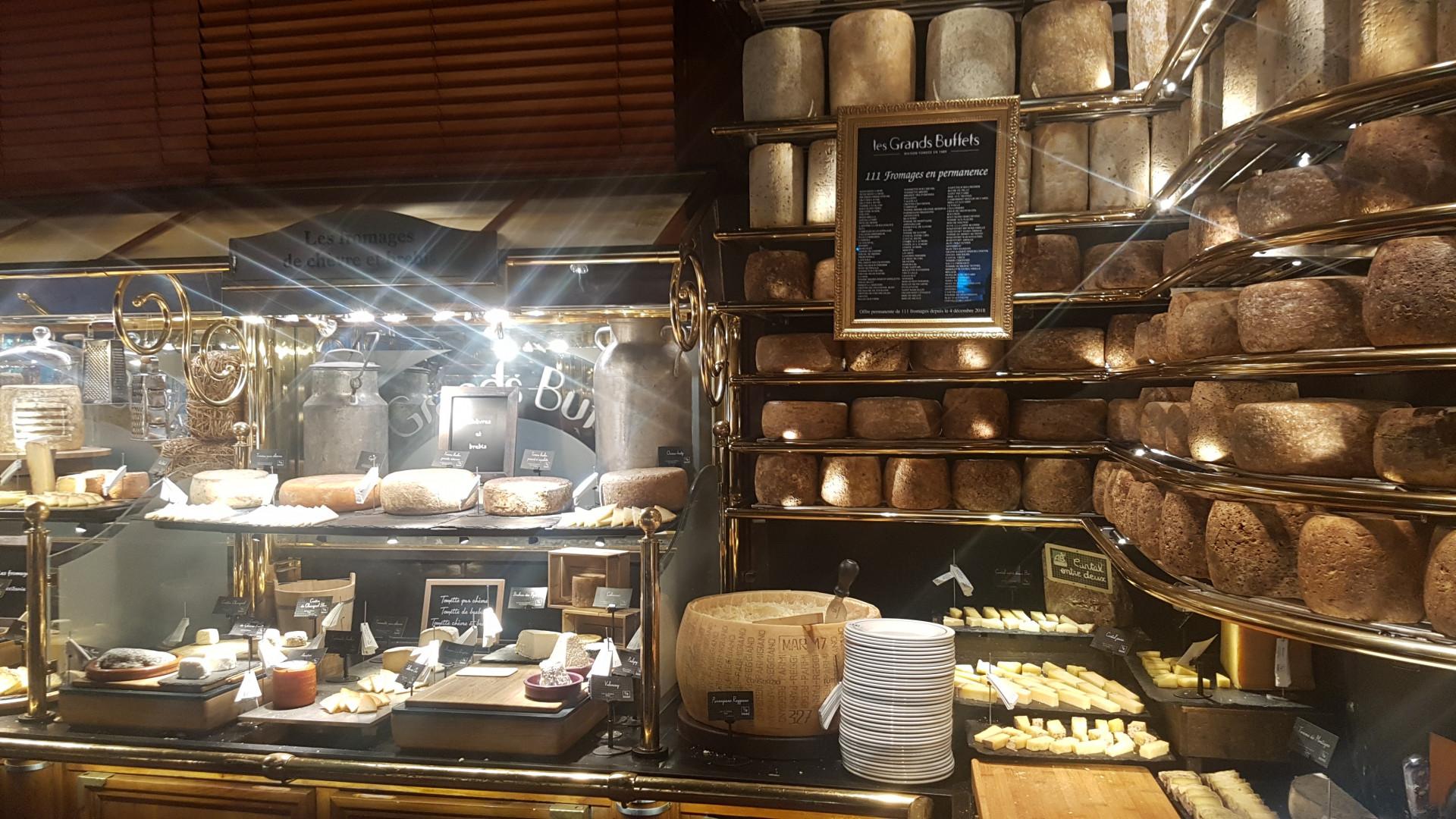 À proximité de Narbonne, le restaurant les Grands Buffets propose pas moins de 111 variétés de fromage.