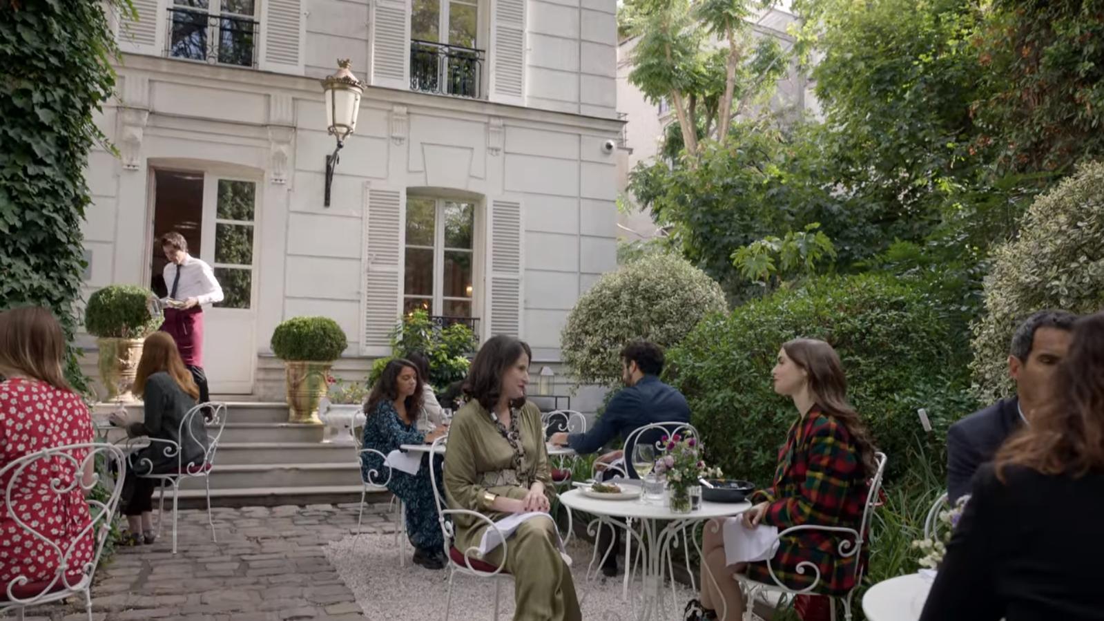 Vous ne déjeunez pas dans les jardins d'hôtels particuliers vous ?