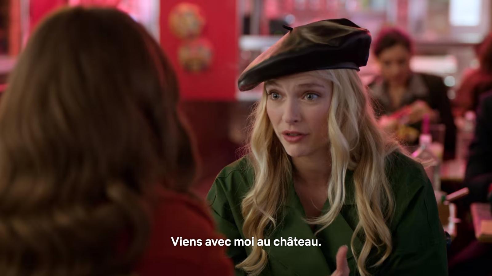 En parlant de mode, avez-vous déjà vu des Parisiennes portant un béret ? Sur Netflix, oui...