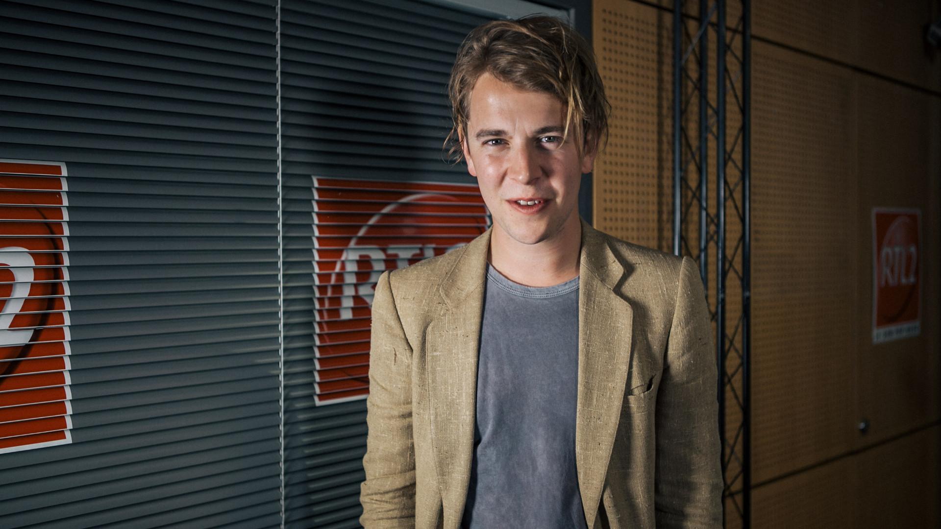 Tom Odell dans les studios de RTL2
