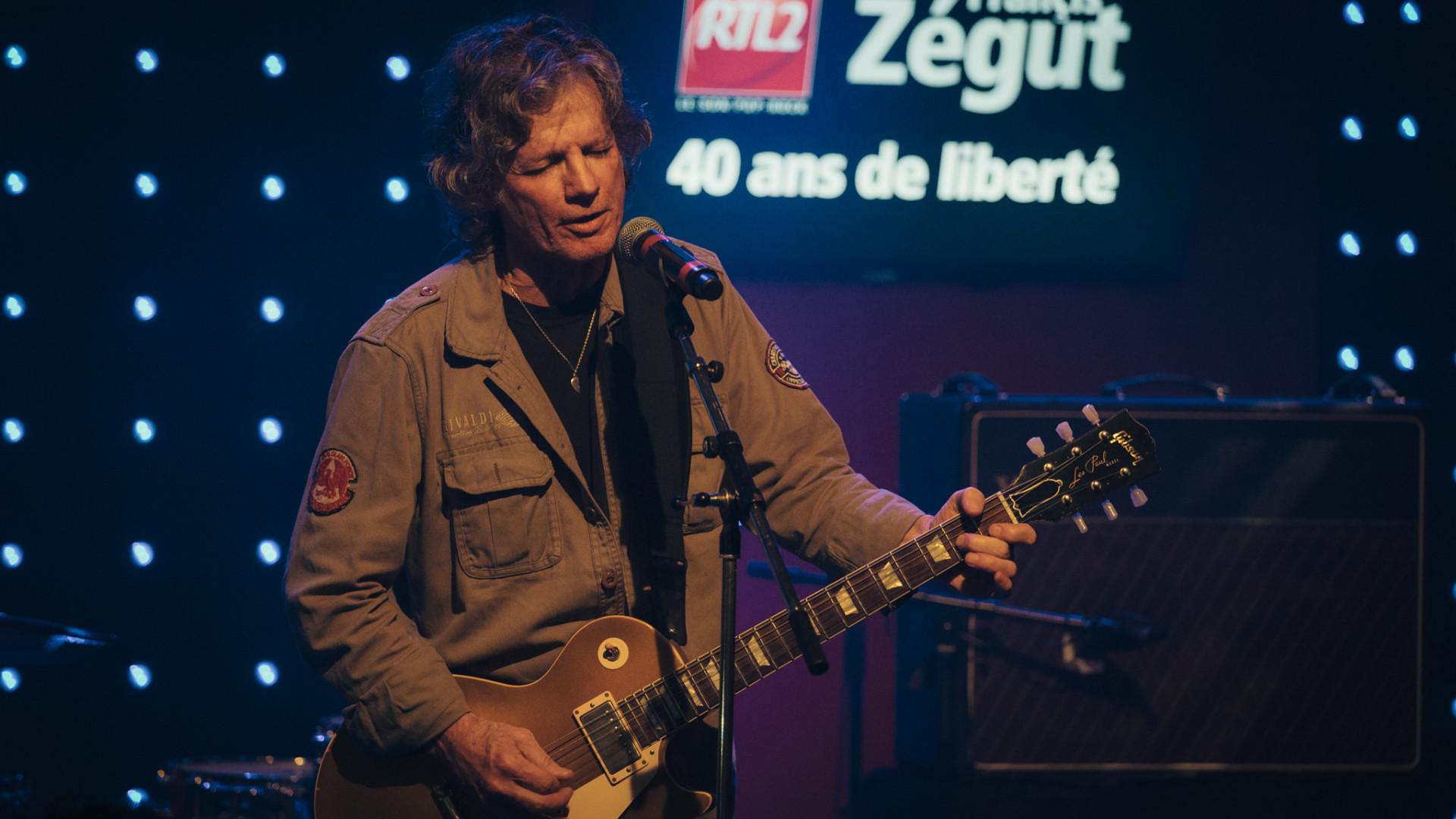 Paul Personne live lors de l'émission des 40 ans de radio de Francis Zégut