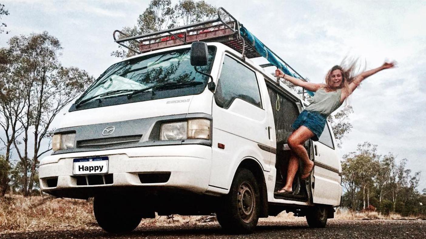 À bord de son van, cette étudiante française sillonne les routes d'Australie dans son van. (@marietrarieux)