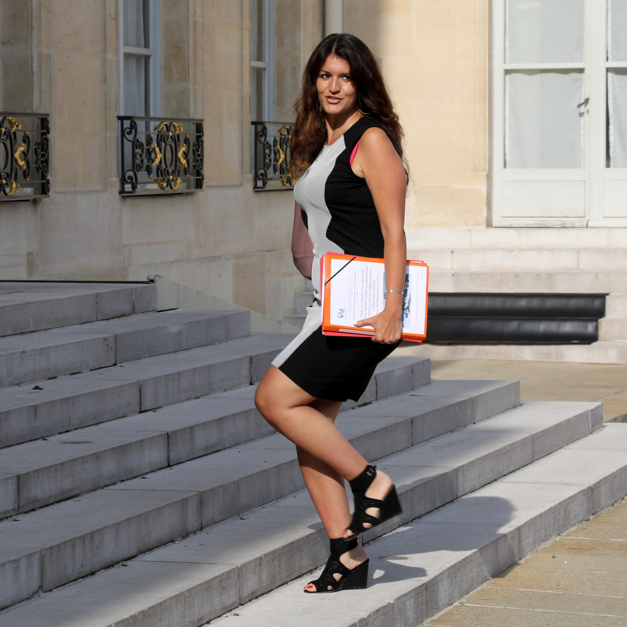 RIP CLIVE 1263773-marlene-schiappa-le-28-aout-2017-a-l-elysee