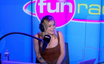 Romy en interview sur Fun Radio