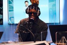 """Dadju dans les studios de Fun Radio pour présenter son nouveau morceau """"Mon soleil"""""""