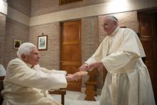 Le pape émérite Benoît XVI et le pape François, le samedi 28 novembre 2020.