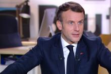 """Emmanuel Macron face aux caméras de """"Brut"""", le 4 décembre 2020"""