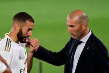 Karim Benzema et Zinédine Zidane lors d'un match du championnat espagnol en juin 2020