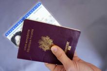Passeport et carte nationale d'identité (image d'illustration)