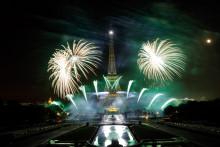 Le show pyrotechnique du 14 juillet à la tour Eiffel, éblouissant de précision et de virtuosité nous offre chaque année toujours plus d'émotions.