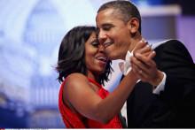 21 janvier 2013. Le couple Obama danse au bal inaugural lors de l'investiture présidentielle à Washington.