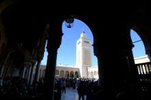 """Des musulmans célèbrent la fête du """"mawlid"""" dans une mosquée de Tunis, en Tunisie, en 2018"""
