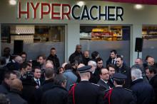 François Hollande lors d'une cérémonie devant l'hyper cacher de la porte de Vincennes le 5 janvier 2016.