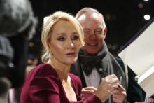 J. K. Rowling lors d'une séance de dédicaces