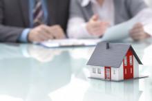 Les taux de crédit immobilier tombent sous les 2%