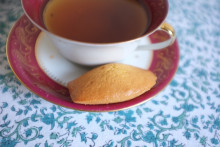 Les madeleines sont toujours un succès pour accompagner une tasse de thé