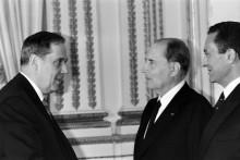Charles Pasqua et François Mitterrand, le 10 décembre 1986