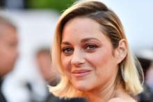 """Marion Cotillard avant la projection du """"Grand Bain"""" le 13 mai 2018 à Cannes"""
