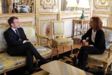 Leïla Slimani et Emmanuel Macron à l'Élysée, le 11 mai 2017