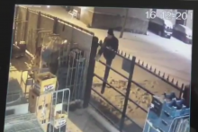 En Belgique, un voleur de bière est resté coincé en prenant la fuite