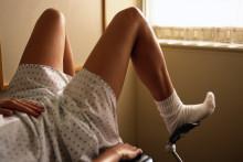 Certaines femmes sont angoissées à l'idée de montrer leur intimité lors d'un examen gynécologique