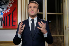 Le président de la République Emmanuel Macron présente ses vœux à la Nation le 31 décembre 2018 à l'Élysée