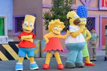"""Des personnes déguisées en personnages des """"Simpsons"""" (illustration)"""
